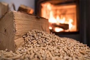 Stufe a legna e a pellet: come utilizzare in modo corretto le biomasse